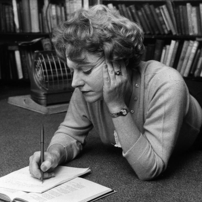 Author Muriel Spark writing